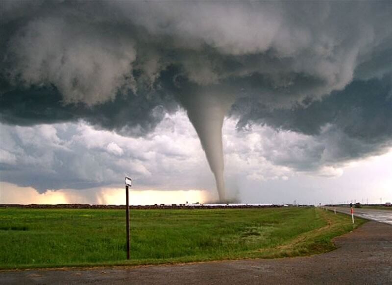 songe d'une tornade... un rêve d'avertissement ?? En tout cas, le sentiment laissé au réveil était très désagréable....