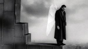 Les Ailes du désir (Der Himmel über Berlin) est un film fantastique franco-allemand, produit et réalisé par Wim Wenders, sorti en 19871. Il narre l'histoire de Damiel et Cassiel, deux anges invisibles et immortels, qui scrutent Berlin et errent parmi les humains, jusqu'au jour où l'un d'entre d'eux s'éprend d'une belle et solitaire trapéziste nommée Marion et décide de renoncer à l'immortalité afin de goûter aux plaisirs sensoriels de la vie humaine