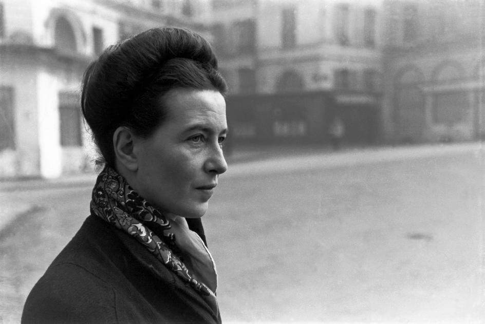 Rachel Carson : Simone de Beauvoir, née le 9 janvier 1908 dans le 6e arrondissement de Paris, ville où elle est morte le 14 avril 1986 (à 78 ans), est une philosophe, romancière, épistolière, mémorialiste et essayiste française.